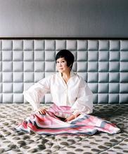 China, Shanghai, Yue-Sai Kan, Yue-Sai, Portrait, WALL, Assignment, Mamiya RZ67, Yue-Sai's